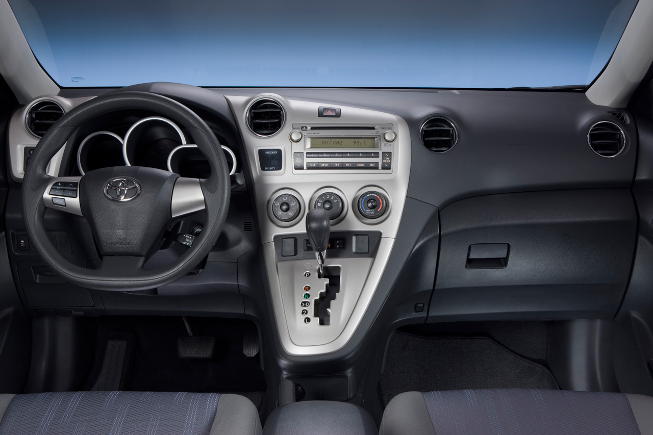 2011 TOYOTA MATRIX INTERIOR DESIGN