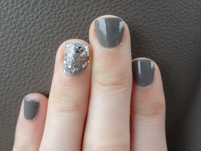 Nail Polish, China Glaze Recycle, silver glitter accent nail, grey nails with sparkle