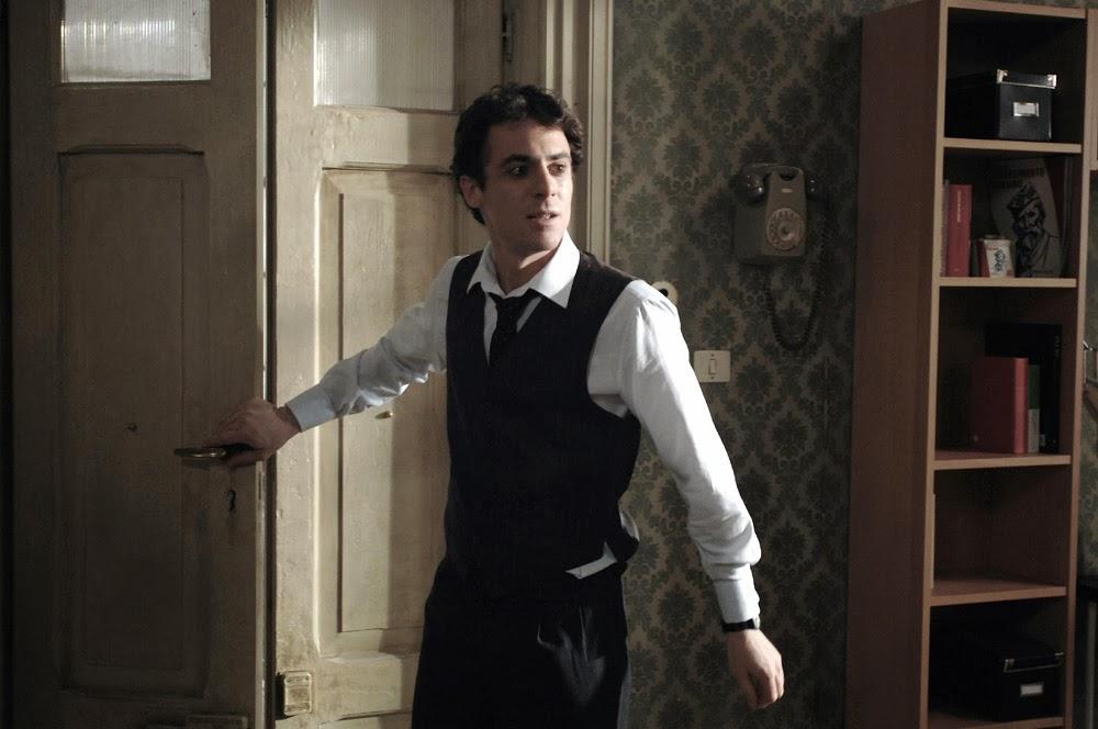 Elio Germano incarne dans Magnifica presenza un pâtissier  qui veut devenir acteur. Au casting également,  Margherita Buy et Vittoria Puccini.