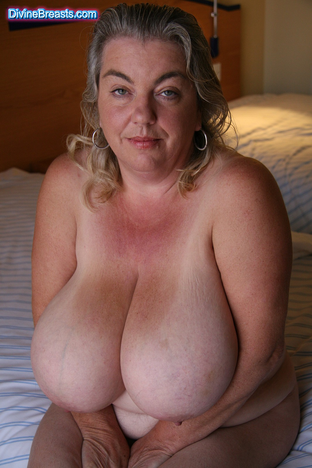 mature women with huge boobs