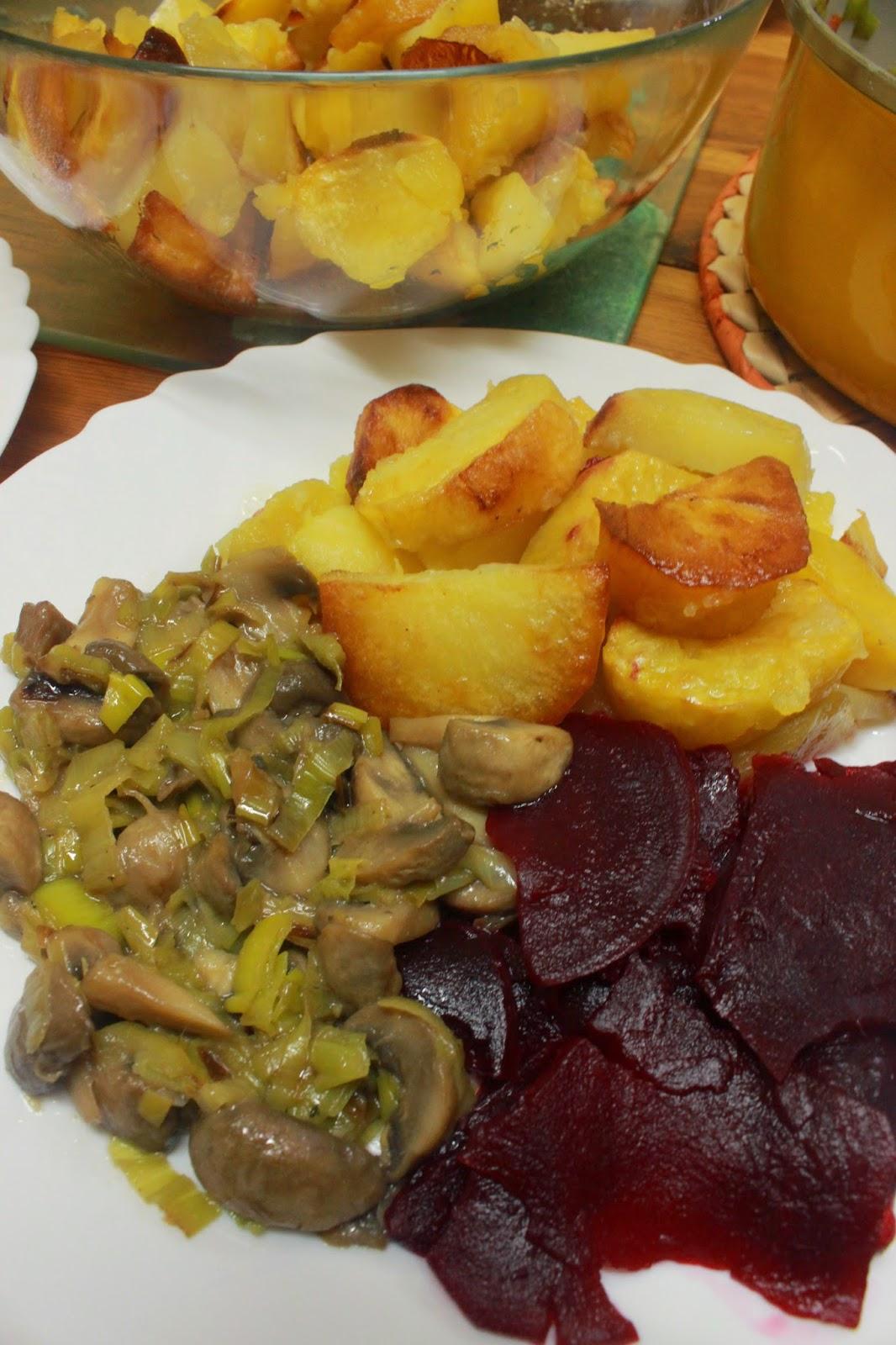 Ideja za ručak - Šampinjoni sa prazilukom, krompir, cvekla