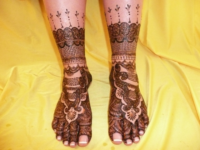 Feet Mehndi Designs Bridal : Bridal feet henna design