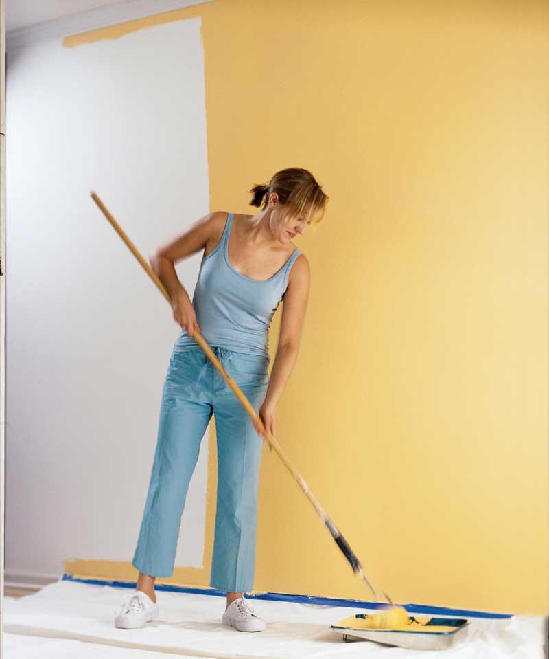 Trong khi sơn chú ý để sơn không rớt lên mặt sàn
