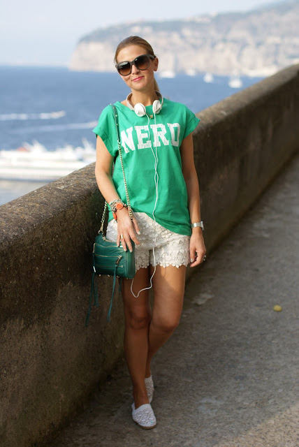 nerd t-shirt, asos nerd tee, white lace shorts, Stradivarius shorts, Fashion and Cookies, fashion blogger