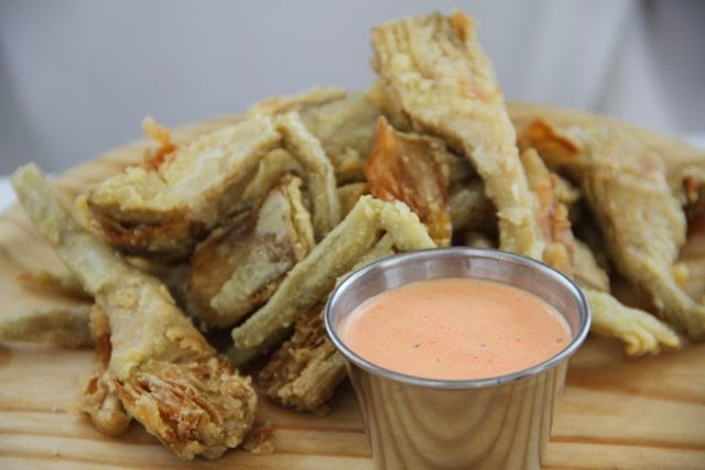 Alcachofas fritas del restaurante Lido de Miami. Blog Esteban Capdevila