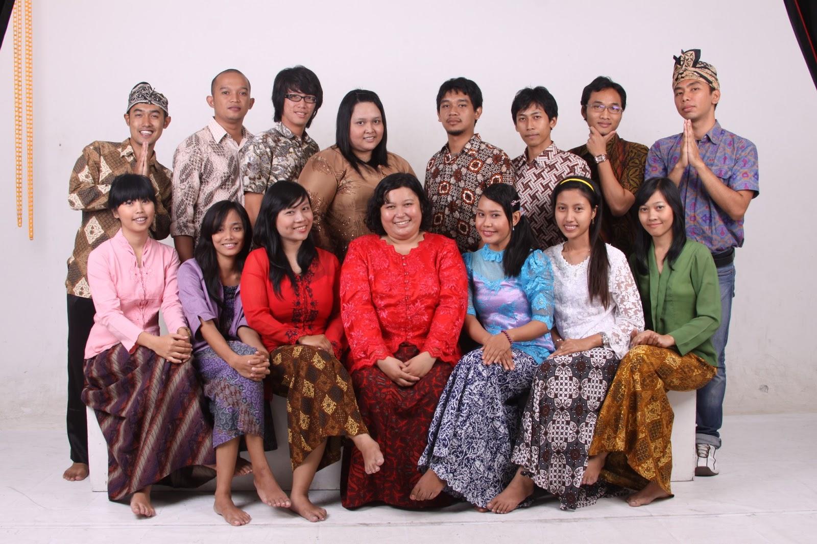 A Noble Philosophy The Unseen Beauty Of Batik Blogika Produk Ukm Bumn Parang Kembang Sebagai Media Refleksi Nilai Kehidupan