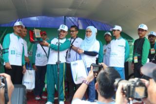 Gerak Jalan Sehat PNM Bersama Guru di Magelang