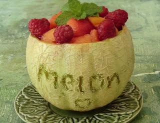 Salade de melon, framboises et abricots à la menthe et au muscat