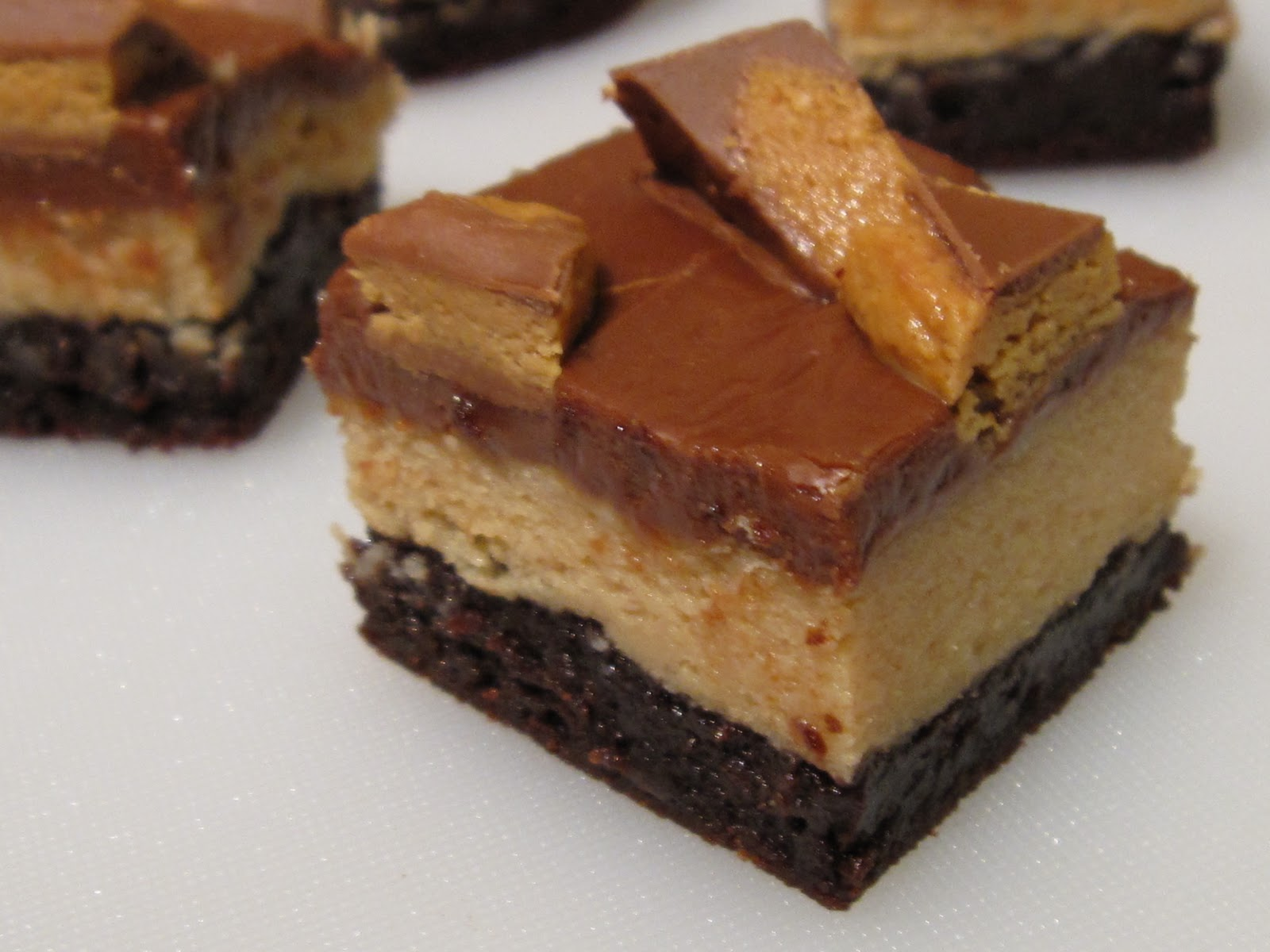 HANNAH IN THE KITCHEN: Peanut Butter Cheesecake Brownies