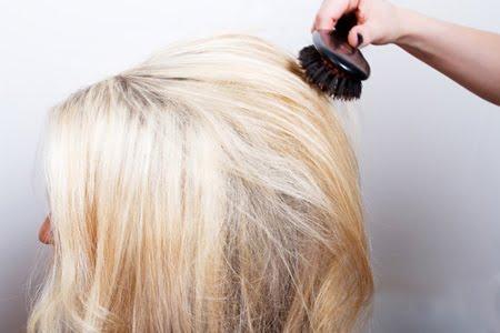 Заглаждане горния слой на косата