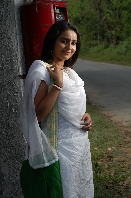 Actress Bhama Gallery gallery pictures