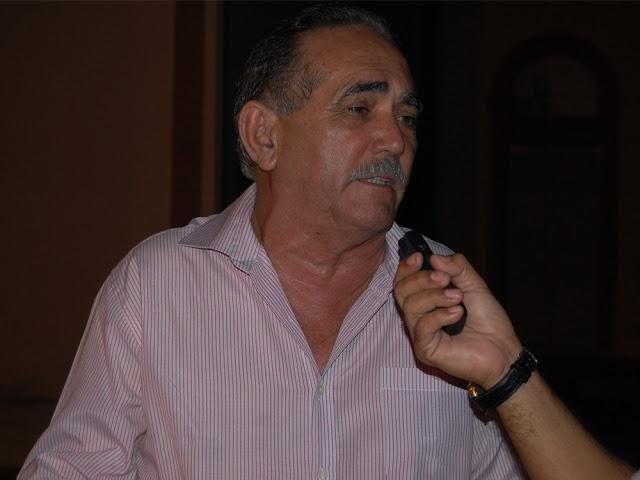 http://4.bp.blogspot.com/-Mr45i8AddWs/VqdqgJ32VWI/AAAAAAAANUI/0BSZ1DQ0rcI/s1600/Geraldo.jpg