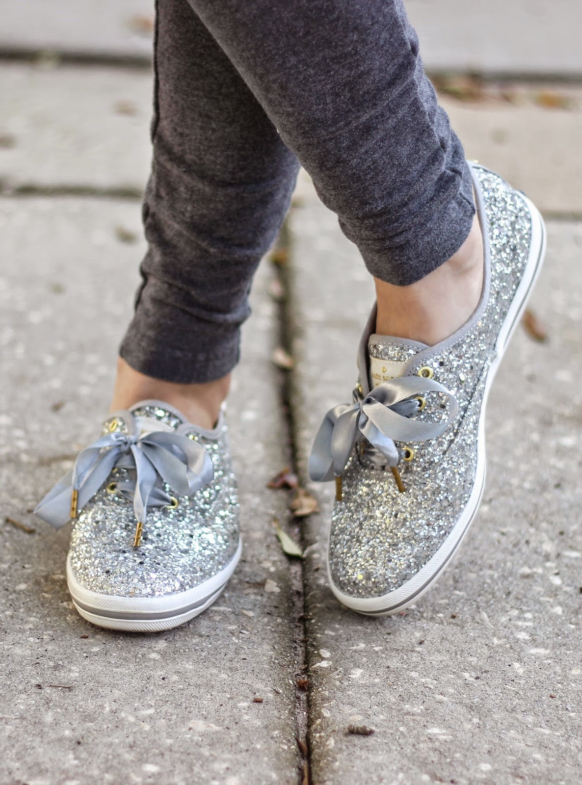 skinny sweats and glitter shoes kelly elizabeth style