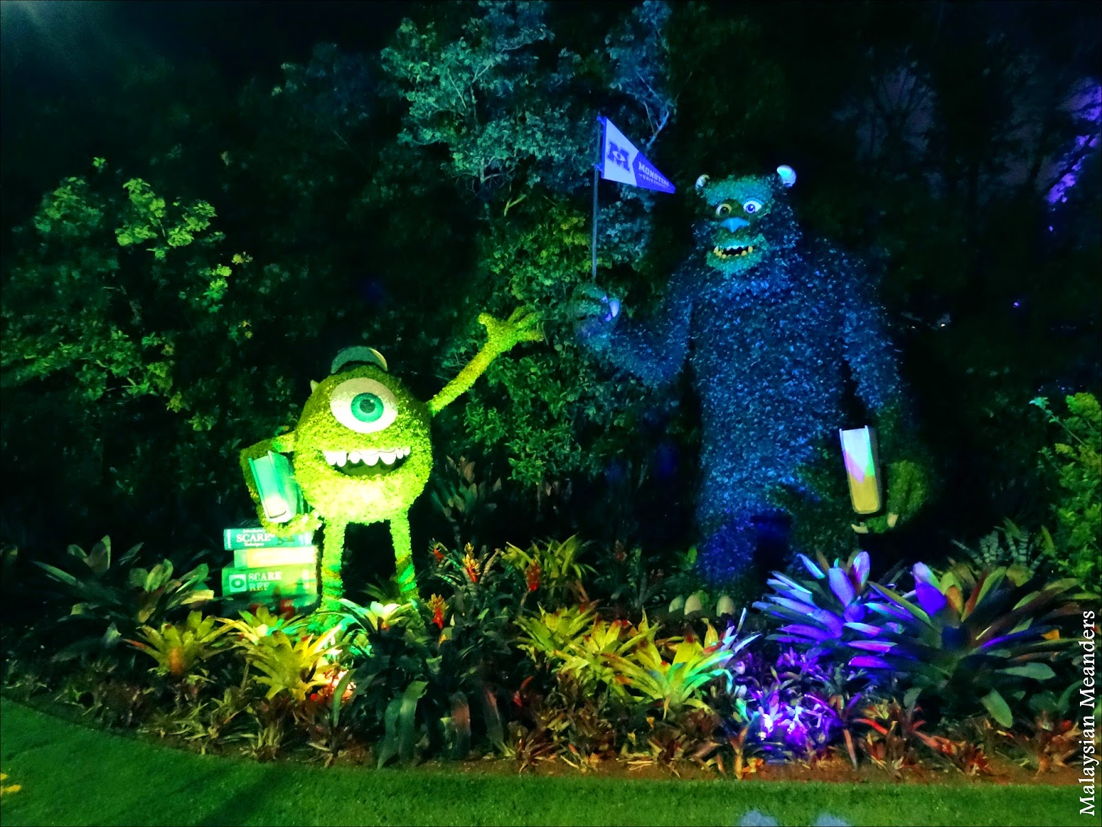 Mike, Sulley, Monsters U, topiary, DisneyWorld