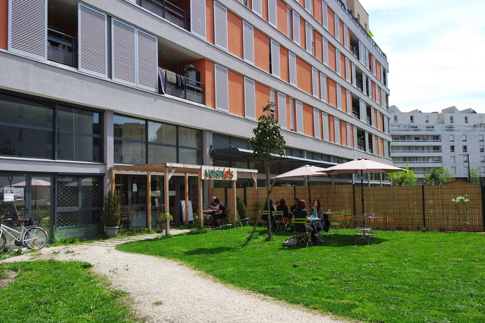 caf voisin e s a l 39 ascension le caf est ouvert. Black Bedroom Furniture Sets. Home Design Ideas