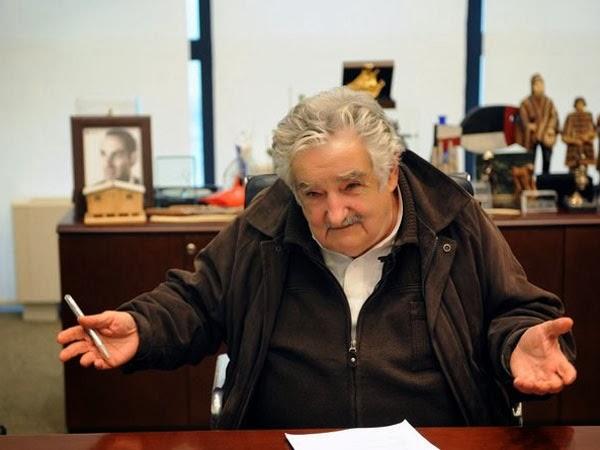 Promulgada lei que legaliza a maconha no Uruguai