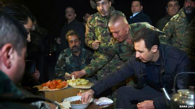 Presiden Suriah Kunjungi Garis Depan Dalam Perang Saudara
