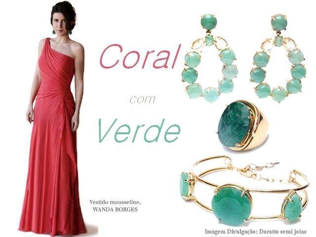 """""""vestido-coral-com-acessórios-verdes"""" - www.alinhavosdemoda.com.br"""