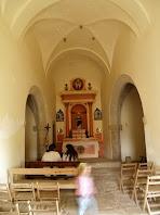 Interior de l'ermita amb les voltes de creueria