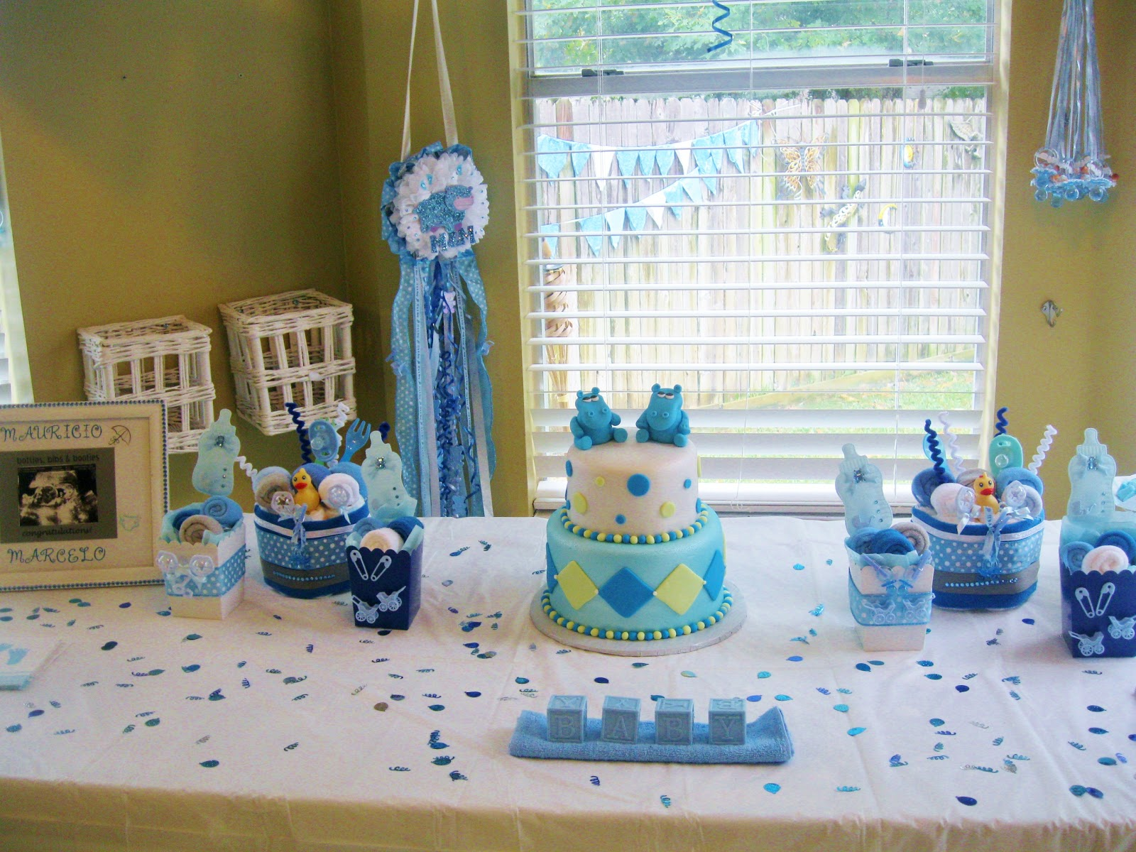 Polkadots monkeys diaper cakes party planner for Baby shower decoration ideas for twin girls