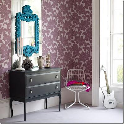 espelho com moldura colorida