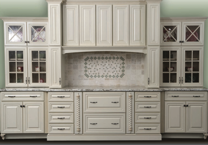 Home interior gallery antique white kitchen cabinet for Antique white kitchen cabinets