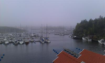 Strömstad Marina bei Regen