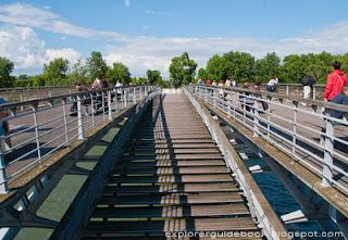 Psarelle leopold sedar senghor lovelocks bridge Paris