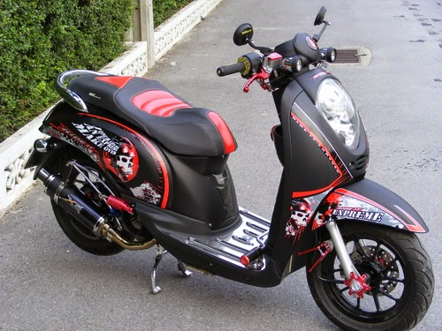 modifikasi motor honda scoopy warna coklat