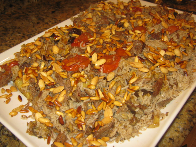 Lebanese makloubi with meat recipe lebanese recipes for Arabic cuisine food