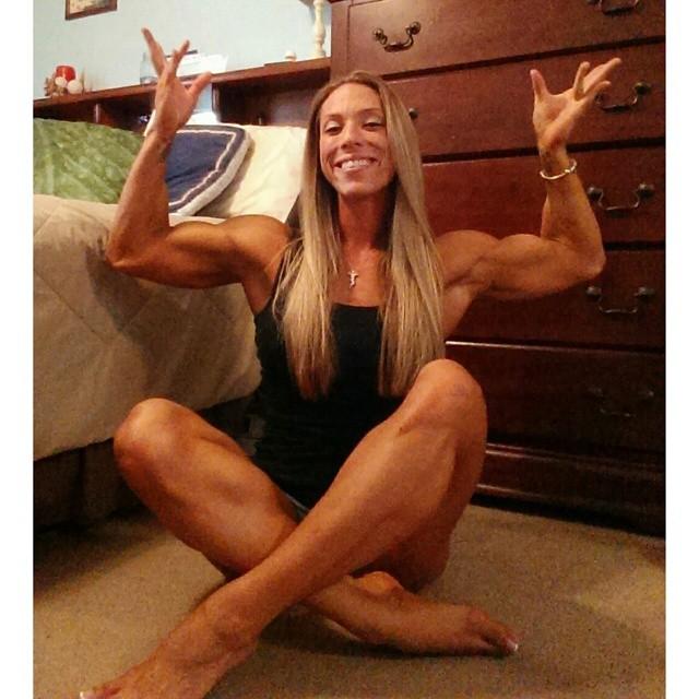 Traci Singleton legs