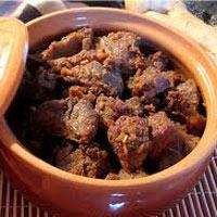 Thịt bò kho gừng sả nóng hổi