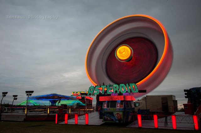 emerson photography takes photos of a fairground at night
