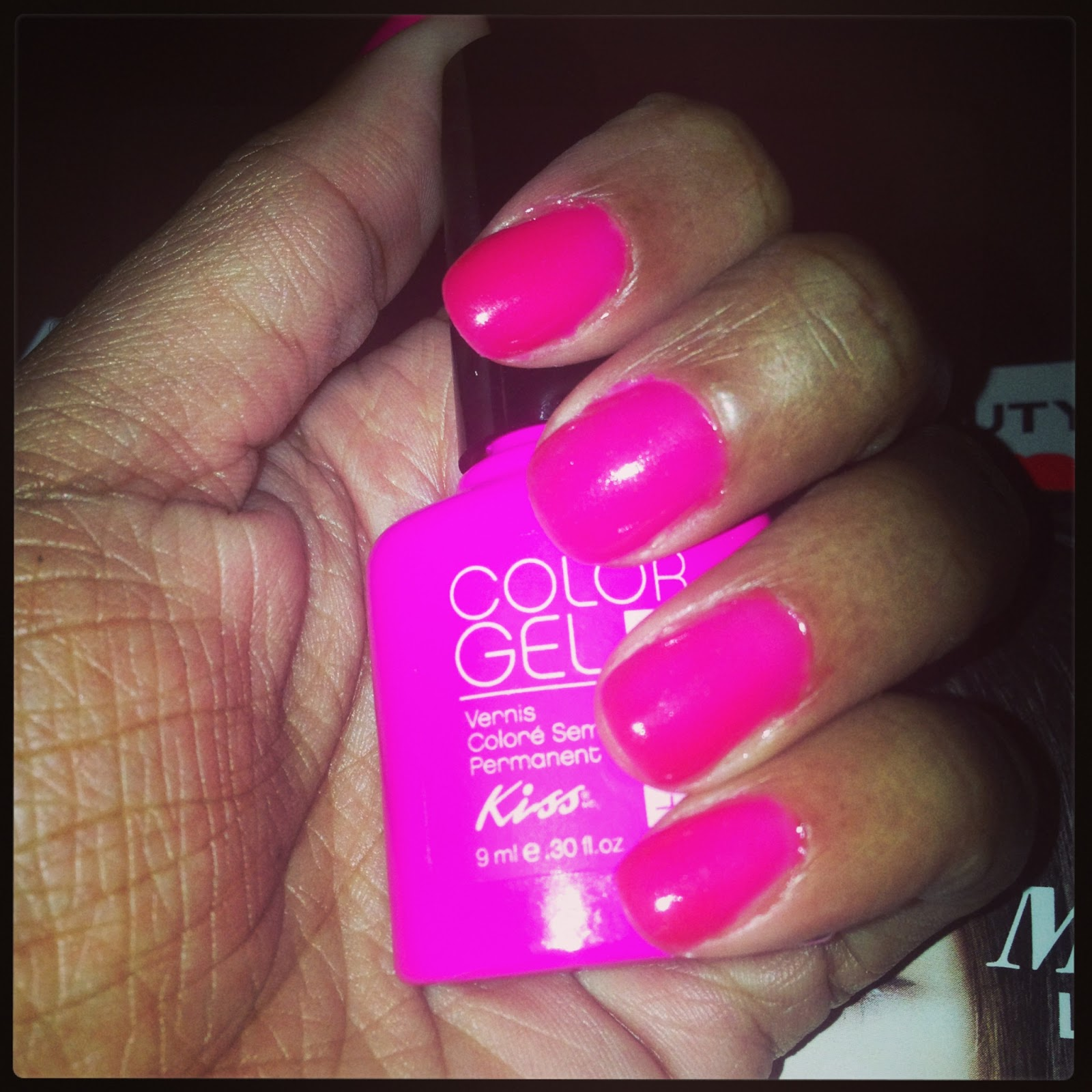 Kiss Gel Polish In Punch Inside Light