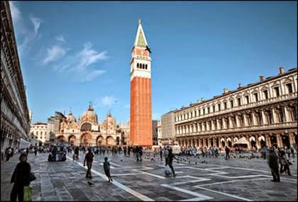 Markuspladsen i Venedig, Italien