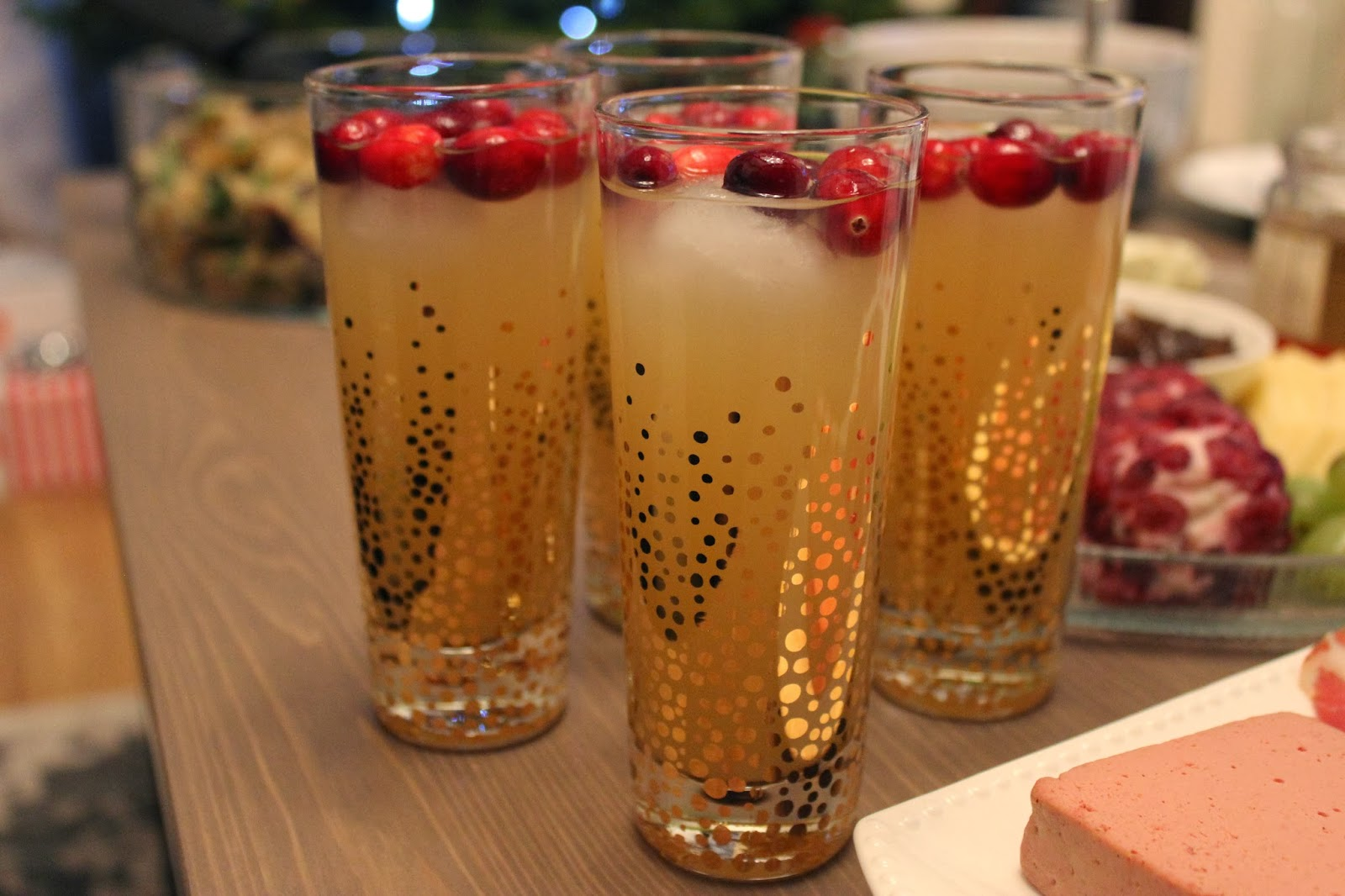 love me simply: cranberry-pear sparkling cocktail