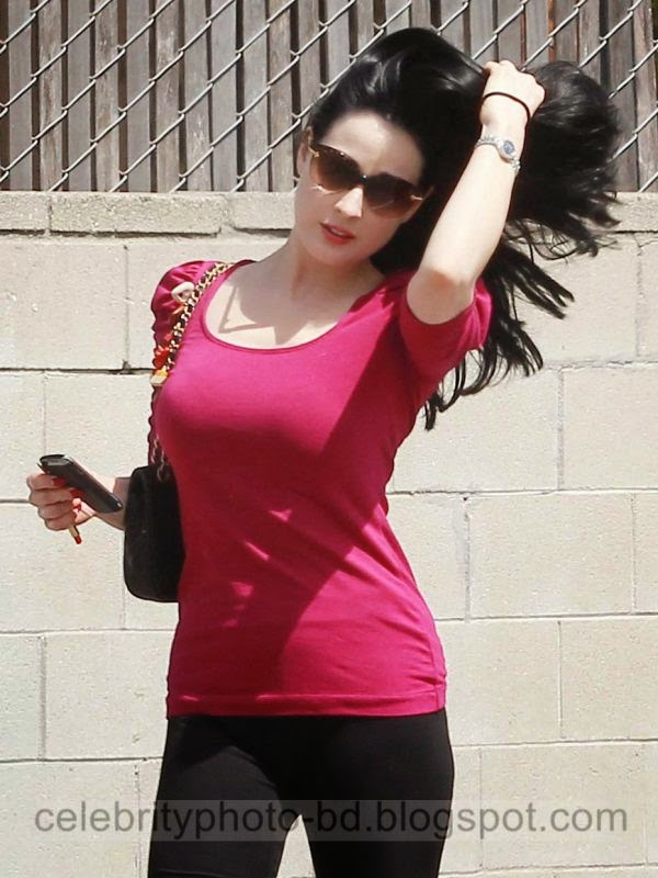 Dita+Von+Teese+Latest+Hot+Photos+With+Short+Biography007
