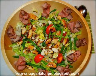 Bohnensalat mit Pecannüssen & Roastbeef