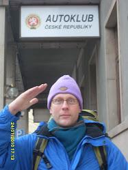 Apumiespalvelua sotamies Svejkin tapaan aina Tsekkiä myöden