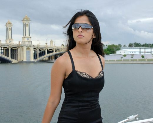 Anushka Navel In Transparent Black Saree Pictures