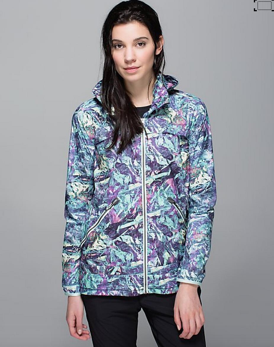 http://www.anrdoezrs.net/links/7680158/type/dlg/http://shop.lululemon.com/products/clothes-accessories/women-outerwear/Miss-Misty-II-Jacket?cc=17369&skuId=3602150&catId=women-outerwear