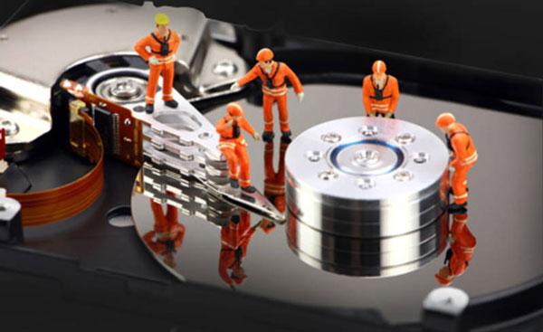قبل ان تفقد بياناتك: أفضل الأدوات المجانية لاختبار وفحص القرص الصلب والتأكد من سلامته