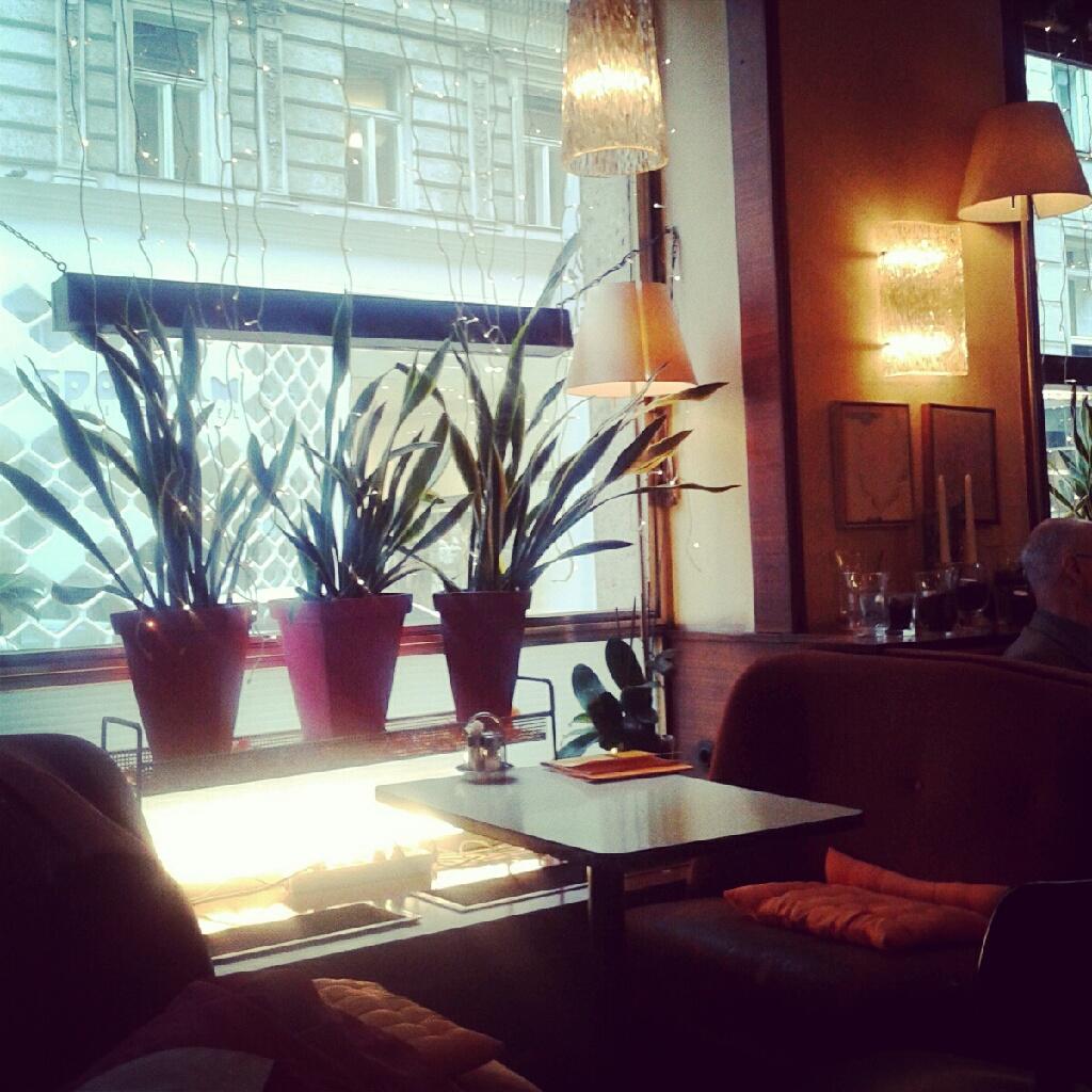 juboswelt cafe korb. Black Bedroom Furniture Sets. Home Design Ideas