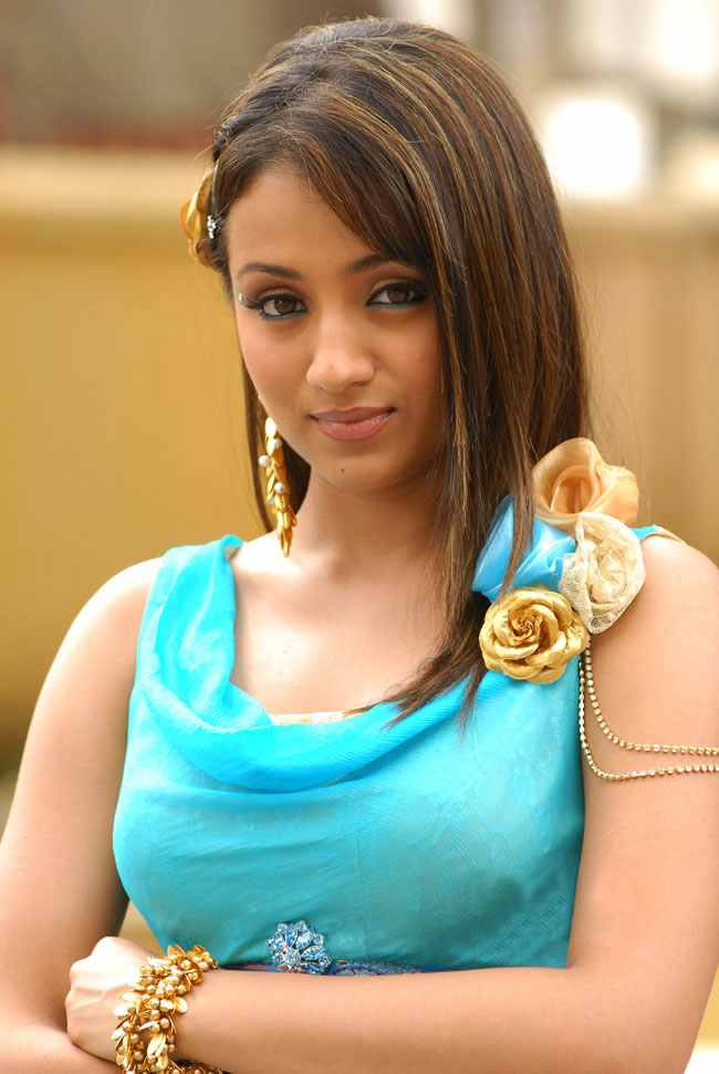 Tamil actress trisha hot