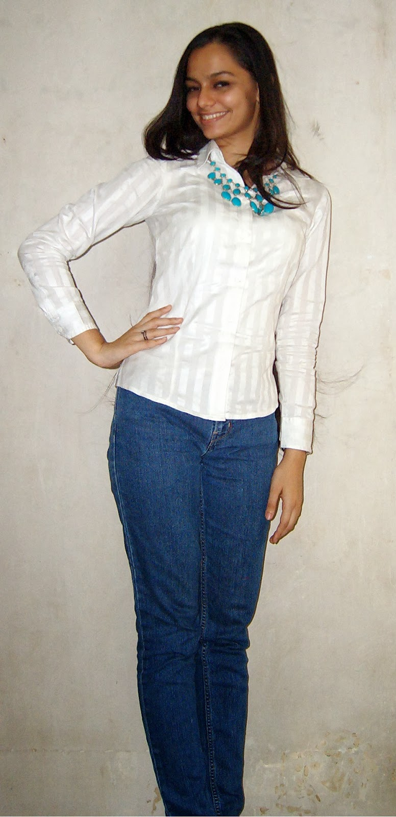 valentine's day outfit, crisp white shirt, blue jeans, statement necklace