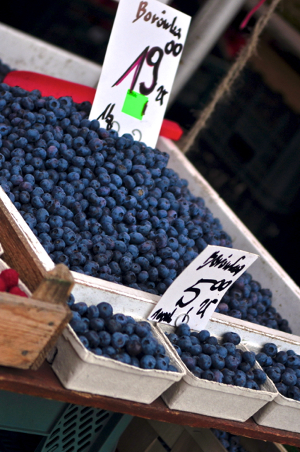 Gdansk markets blueberries