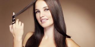 9 Cara Membuat Rambut Lebih Berkilau Dan Lurus
