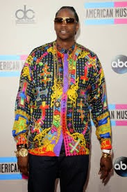 http://www.becauseiamfabulous.com/2013/11/fabulously-spotted-2-chainz-wearing-versace-2013-american-music-awards-amas/