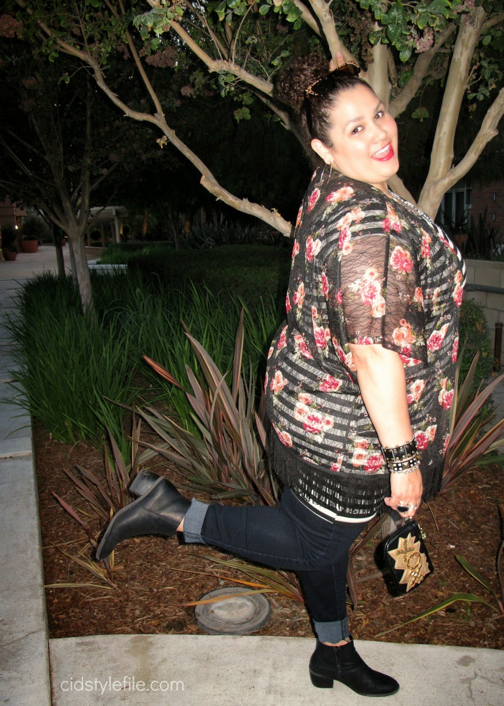 style icon, betsey johnson, plus size fashion, wet seal plus, kimono, black skinny jeans, latina style blogger