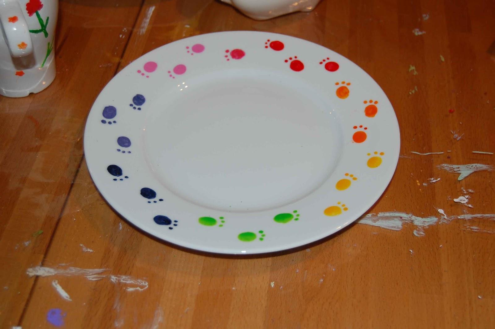 Creatives Haus Teller, Tasse und ein Ferkel